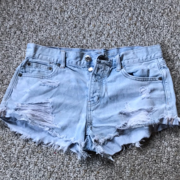 American Eagle Outfitters Pants - Am eagle jean shorts. Button Fly - Size 8